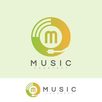 Musique initiale lettre m logo design