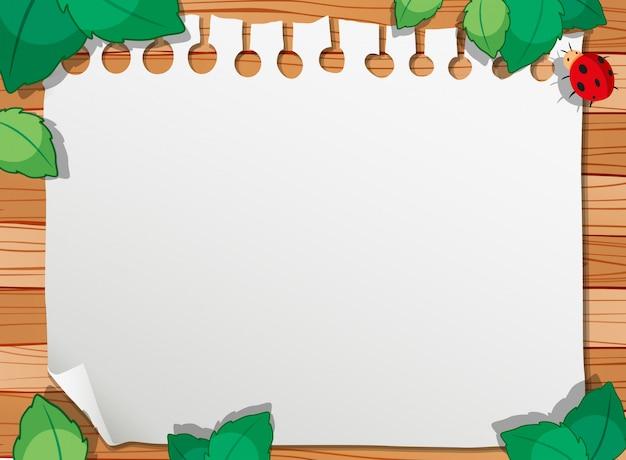 Une nature en bois avec cadre de note et fond