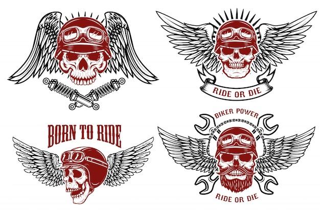 Né pour rouler. ensemble des emblèmes avec des crânes de coureur. étiquettes de club de motards. illustrations.