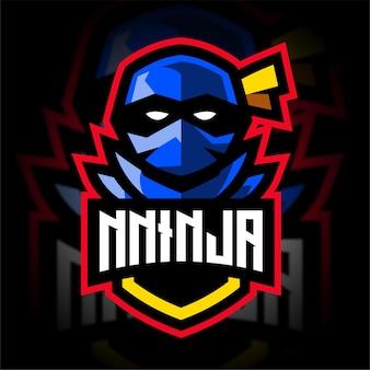 Ninja avec le logo de jeu de mascotte de bouclier