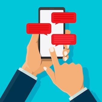 Notification d'icône de message chat sur smartphone isolé sur fond de couleur.