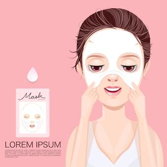 Nourrir le visage avec un masque