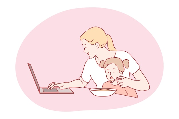 Occupé femme indépendante maman travaillant à domicile sur l'alimentation à distance enfant faim enfant fille