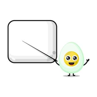 L'œuf à la coque devient un professeur de mascotte de personnage mignon