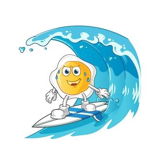 Oeufs frits surfant sur le personnage de la vague. mascotte de dessin animé