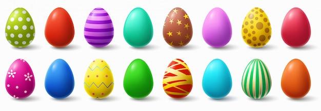 Oeufs de pâques colorés. décor d'oeufs de poule de vacances, motifs de pâques ensemble d'illustration isolé réaliste