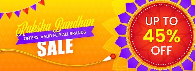 Off pour l'en-tête de vente raksha bandhan ou la conception de bannière avec rakhi floral décoratif (bracelet).