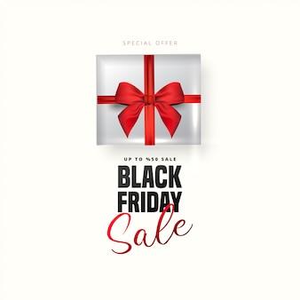 Offre de réduction de 50% sur le lettrage noir du vendredi, boîte-cadeau blanche sur fond blanc. peut être utilisé comme affiche, bannière ou modèle.