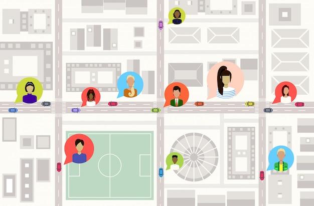 Oiseaux, vue aérienne, ou, plan, de, centre ville, moderne, ville, bâtiments, rues, et, voitures, sur, route, utilisateurs, profil, avatars, réseau social, communication, concept, carte urbaine, paysage urbain, haut, angle, vue, horizontal