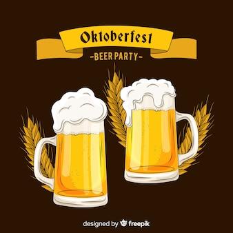 Oktoberfest dessiné à la main donne un toast à la bière