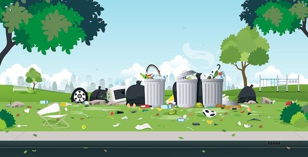 Les ordures qui ont été jetées dans le parc en bordure de route.