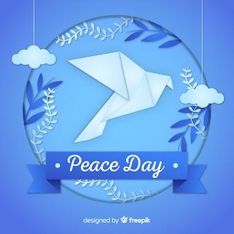 Origami paix jour fond avec colombe