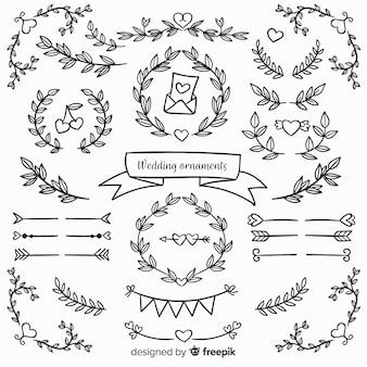 Ornements de mariage floral dessinés à la main