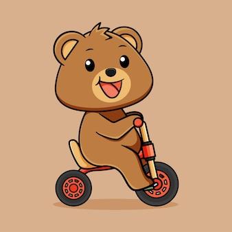 Ours heureux mignon chevauchant un dessin animé de tricycle sur fond marron clair
