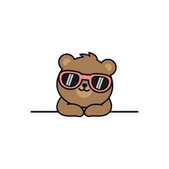 Ours mignon avec dessin animé de lunettes de soleil