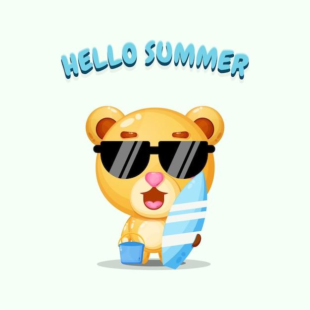 Ours mignon portant une planche de surf avec des salutations d'été