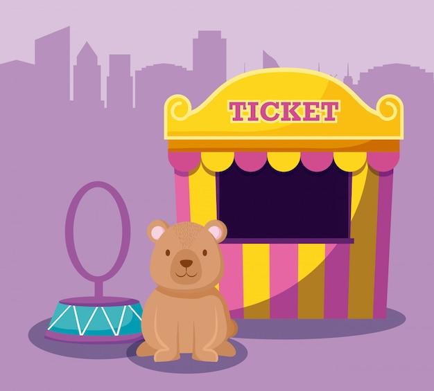 Ours mignon avec tente de vente de billets