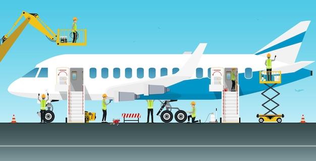 Les ouvriers du génie aéronautique entretiennent divers systèmes d'avion.