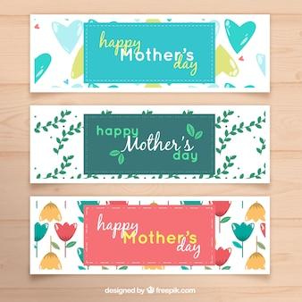 Pack de bannières de jour de grande mère avec des coeurs et des fleurs