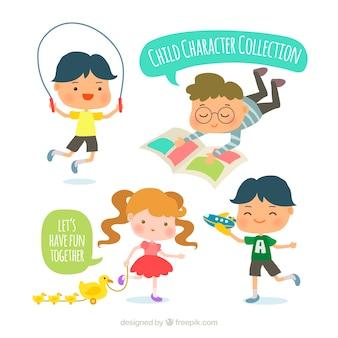 Pack d'enfants faisant des activités