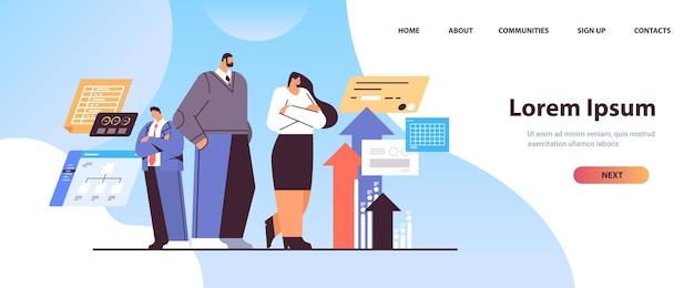 Page de destination de brainstorming de l'équipe d'hommes d'affaires
