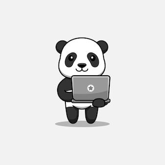 Panda mignon portant un ordinateur portable