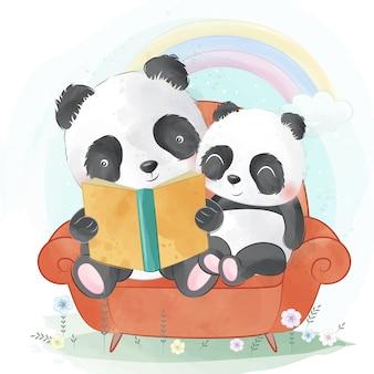Le panda raconte une histoire au bébé panda