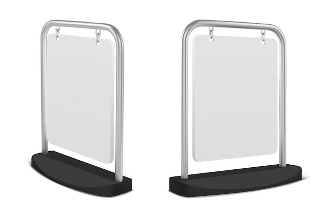 Panneau publicitaire de trottoir blanc suspendu à un cadre en métal