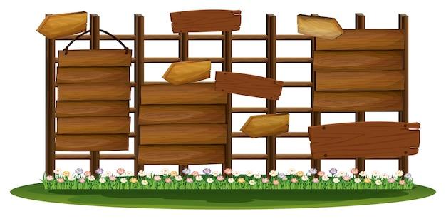 Panneaux en bois dans le jardin