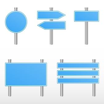 Panneaux de signalisation bleus.