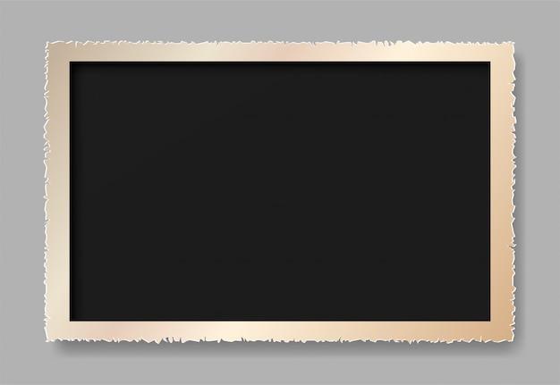 Le papier déchiré est un cadre photo