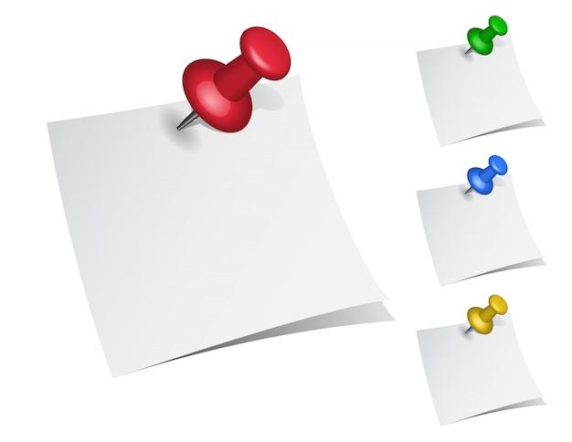 Papier à notes avec punaises