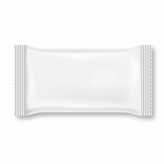 Paquet de lingettes humides blanc isolé sur fond blanc.