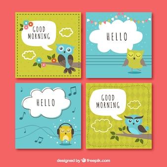 Paquet de quatre cartes de voeux colorées avec hibou mignon