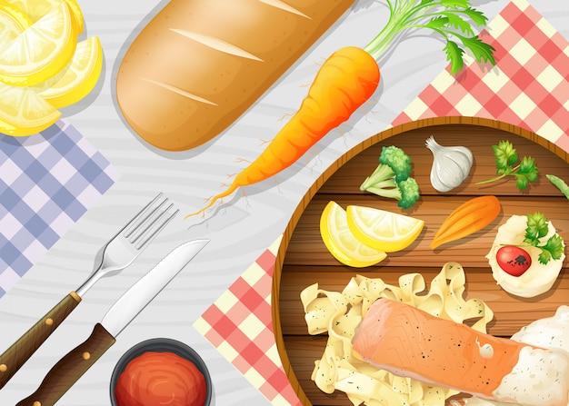 Une pâtes saines au saumon sur la table
