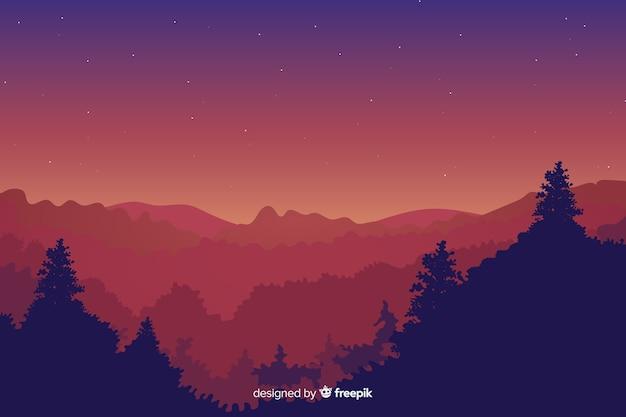 Paysage de montagnes beau ciel et sapins