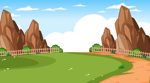 Paysage de parc naturel vierge à la scène de jour avec sentier à travers le pré