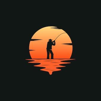 Pêcheur avec fond coucher de soleil