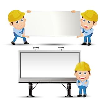 People set profession builder portant le tableau blanc et debout devant le panneau d'affichage
