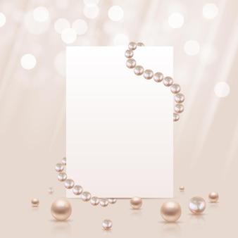 Perles réalistes brillantes et modèle de papier blanc.