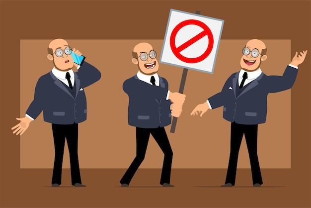 Personnage de dessin animé plat drôle chauve professeur homme en costume sombre et lunettes. garçon parlant au téléphone et ne tenant aucun panneau d'arrêt d'entrée.