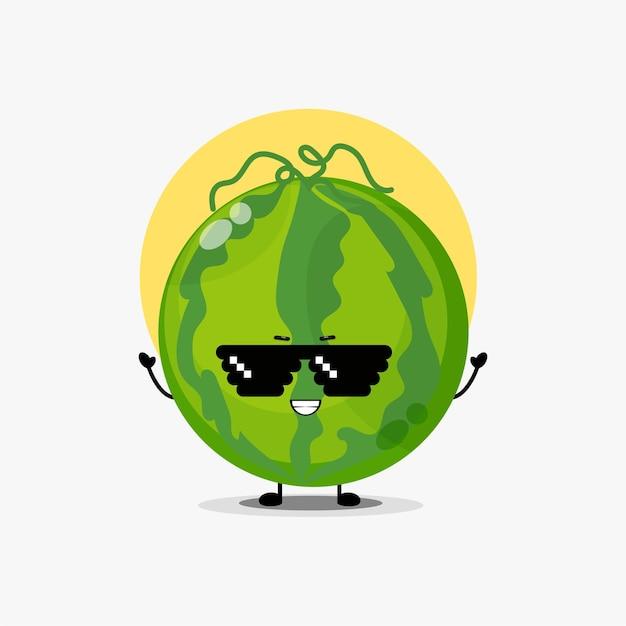 Personnage mignon de pastèque portant des lunettes de pixel