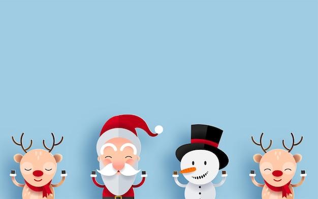 Personnages de noël heureux avec fond pour message d'accueil. père noël, bonhomme de neige et renne