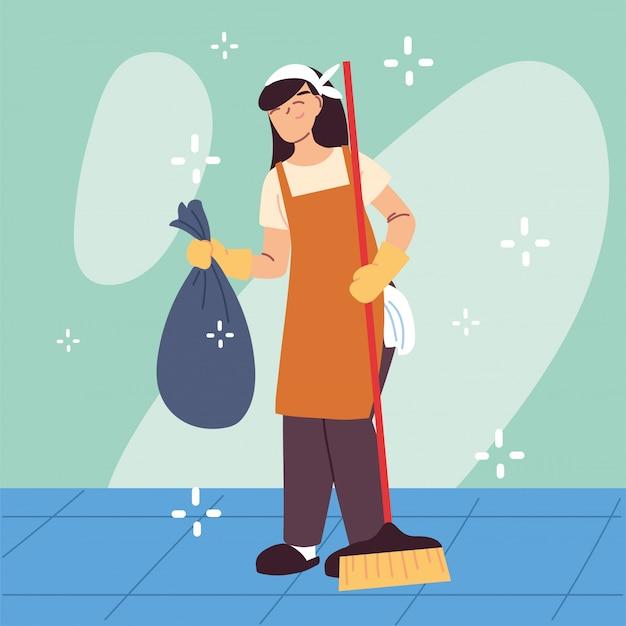 Personnel d'hygiène, femme avec équipement de nettoyage