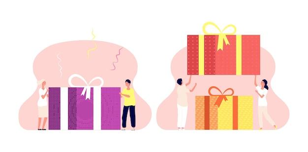 Personnes avec boîte présente. cadeau d'anniversaire, homme femme porte un colis de vacances avec des arcs. illustration surprise, bonus de programme de fidélité ou illustration vectorielle de vente. coffret cadeau anniversaire, bonheur anniversaire