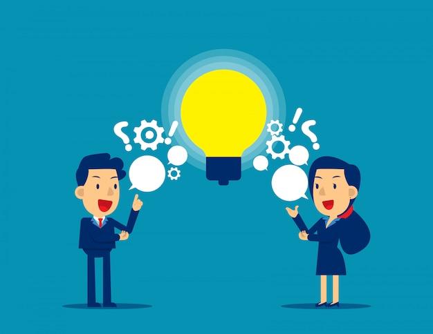 Personnes échangeant des questions et des idées