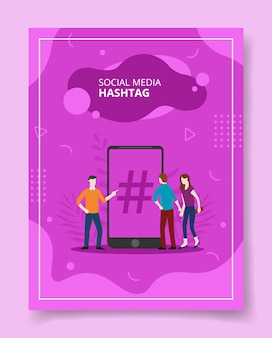 Personnes de hashtag de médias sociaux debout devant smartphone pour modèle de flyer