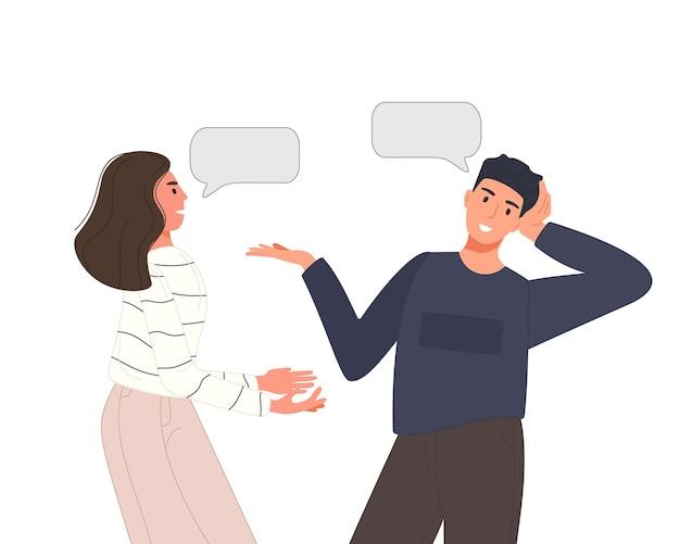 Des personnes multiethniques parlent ou discutent du réseau social. deux amis hommes et femmes parlant des couples avec des bulles. concept de dialogue de personnage.