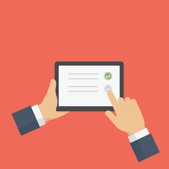 Personnes remplissant formulaire d'enquête en ligne sur tablette numérique