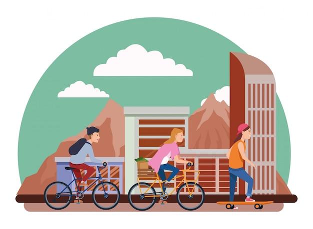 Personnes avec des vélos et skateboard